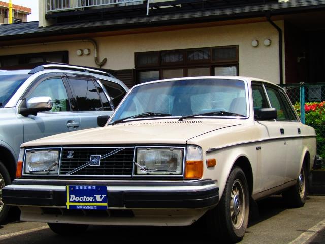 1981(S56)年 ボルボ 244 D車 右H DL【帝人ボルボ】 ビックバンパ純正AW