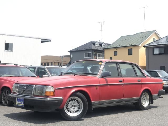 1990(H02)年 ボルボ 240セダン D車 右H GL 社外ホイール装備