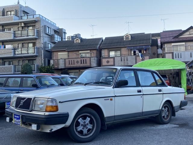 1989(H01)年 ボルボ 240セダン D車 右H GL CDデッキ装備 当店買取車
